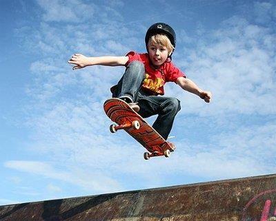 Trượt patin giúp tăng cường vận động ở trẻ