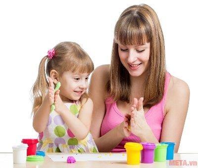 Đồ chơi đất nặn giúp trẻ tăng trí tưởng tượng và khả năng sáng tạo