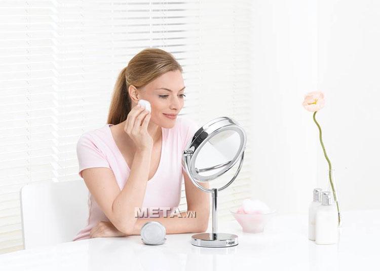 Gương trang điểm 2 mặt kèm đèn led Beurer BS69 giúp trang điểm nhanh và đẹp