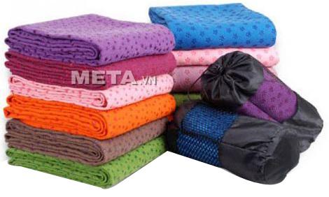 Khăn trải thảm Yoga có nhiều màu sắc lựa chọn.