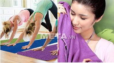 Khăn trải thảm Yoga có khả năng bám dính tốt.