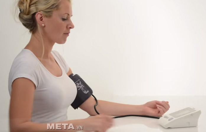 Cách sử dụng máy đo huyết áp bắp tay BM26