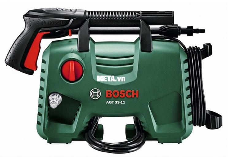 Trên thân máy rửa xe Bosch Aquatak-33-11 có chỗ cất giữ dây điện, giúp gọn gàng hơn.