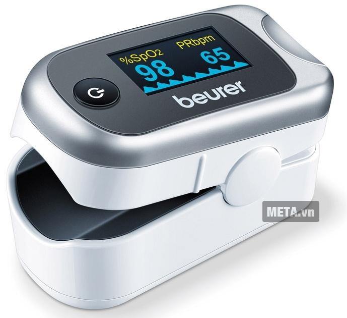 Máy đo nồng độ oxy trong máu SpO2 và nhịp tim Beurer PO40 được thiết kế với màn hình lớn.
