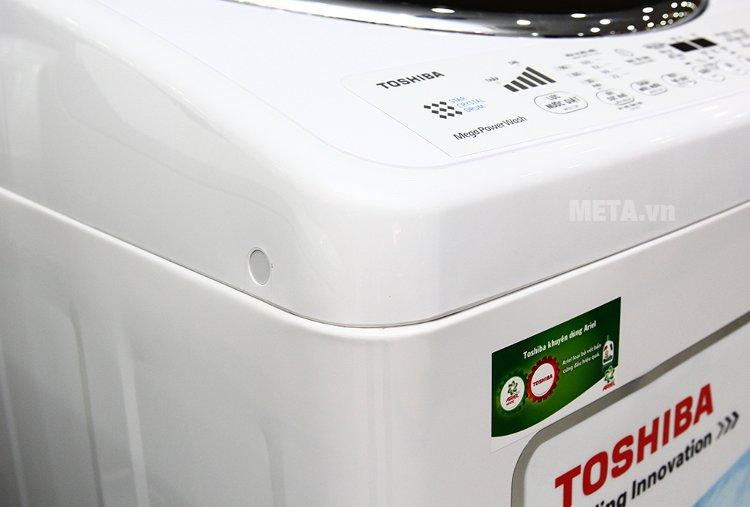 Máy giặt cửa trên 12 kg Toshiba DC1300WV đột phá với công nghệ truyền động trực tiếp.