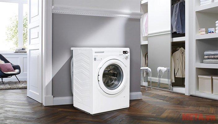 Máy giặt cửa trước 8.5kg Hitachi BD-W85TSP phù hợp với mọi không gian nội thất.