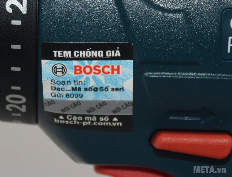 Máy khoan pin Bosch GSR 1440 Li với tem chống hàng già được in trực tiếp trên sản phẩm.
