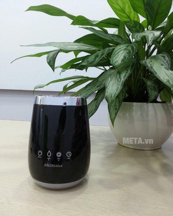 Máy khuếch tán tinh dầu Medisana AD640 có chế độ tự động tắt khi hết nước