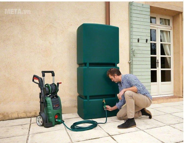 Máy rửa xe gia đình Bosch AQT 45-14X dễ dàng lắp đặt và sử dụng.