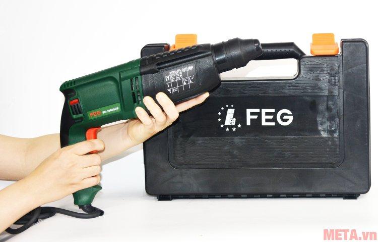 Máy khoan bê tông FEG 2606SRE có màu xanh đen