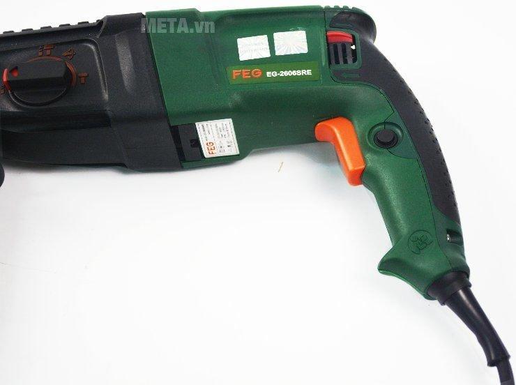 Máy khoan bê tông FEG 2606SRE bấm cò máy với độ đàn hồi cao