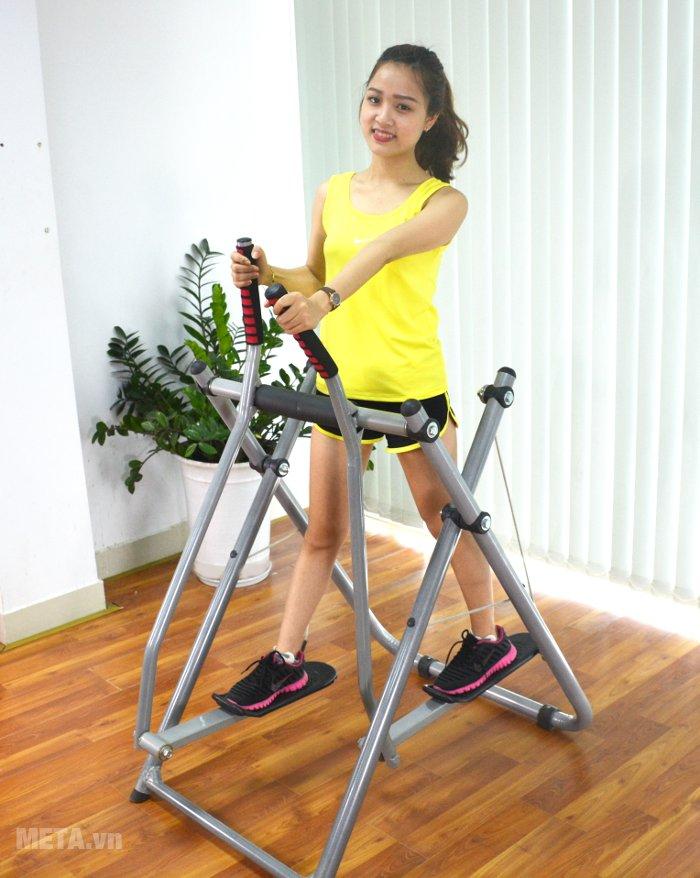 Có thể dùng đi bộ hoặc chạy bộ trên không với máy đi bộ trên không Xuki