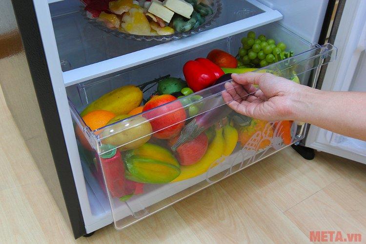 Ngăn lưu trữ rau củ quả phía dưới cùng của tủ lạnh Sharp inverter SJ-X346E-DS