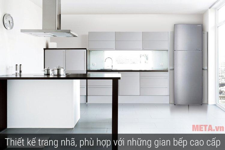 Tủ lạnh J-TECH INVERTER SJ-X251E-SL với màu bạc sang trọng làm tôn lên nét đẹp cho căn bếp