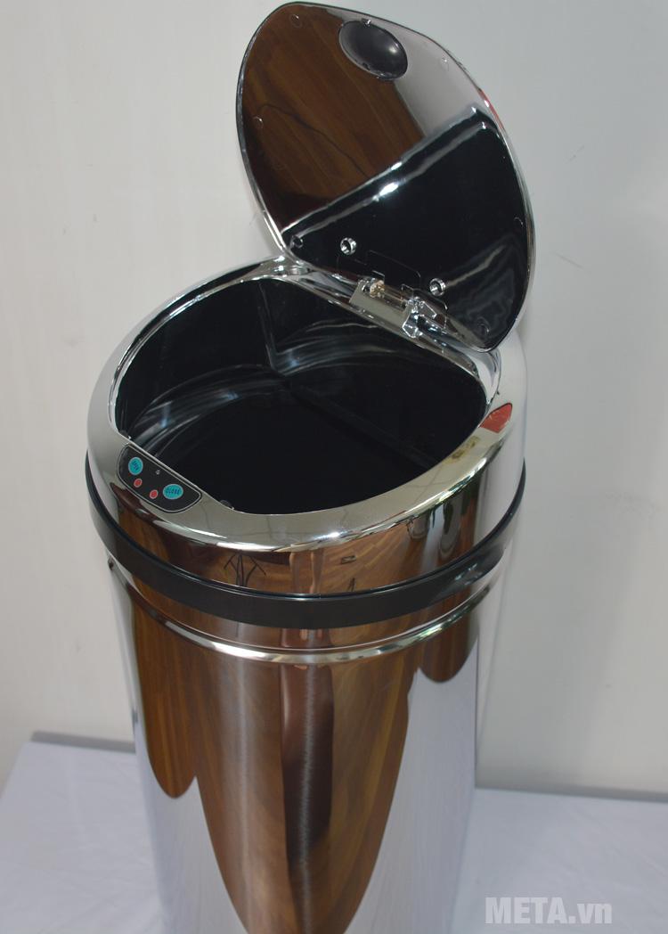 Thùng rác inox Ecolife ECO 802/42L được làm từ inox sáng bóng