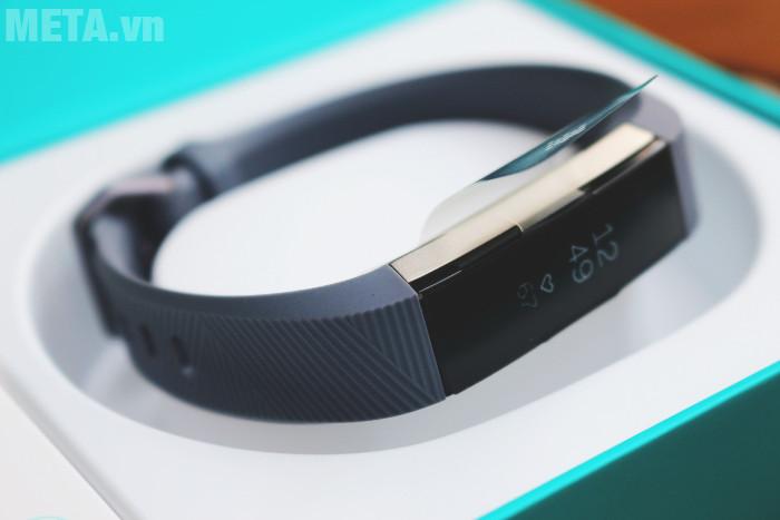 Vòng tay theo dõi sức khỏe Fitbit Alta HR giúp bạn theo dõi sức khỏe hàng ngày