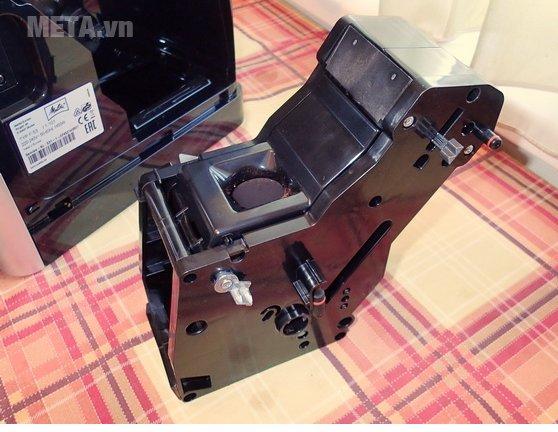 Máy pha cà phê Melitta Caffeo Passione OT vệ sinh bên trong máy dễ dàng