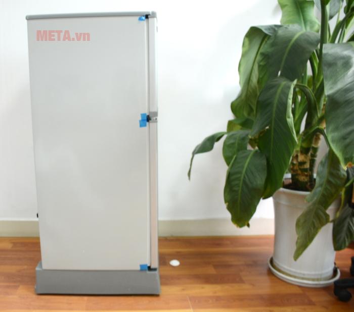 Chân đế bằng nhựa cách ẩm nhằm duy trì độ bền cho khung máy