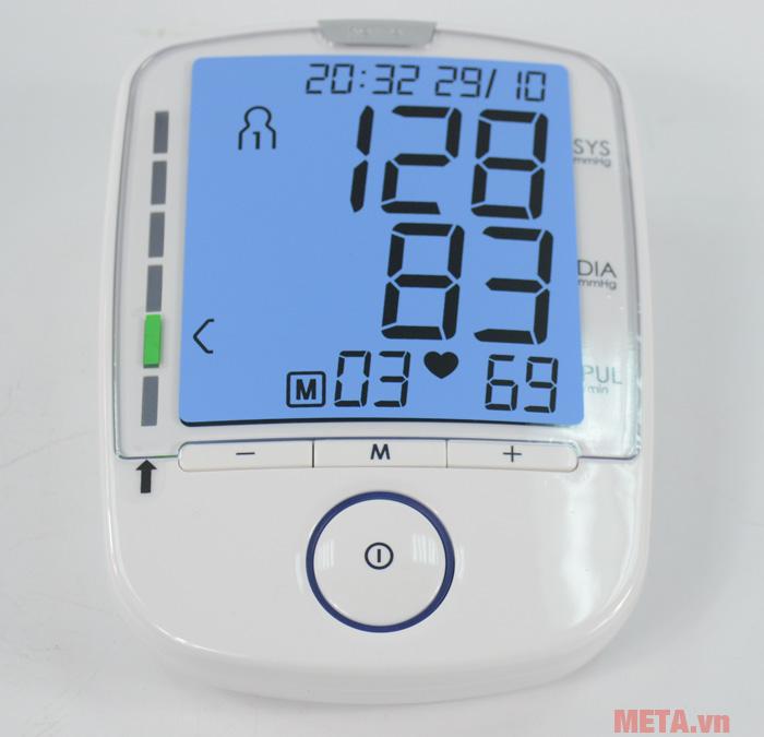Mặt trước của máy đo huyết áp bắp tay Beurer BM47