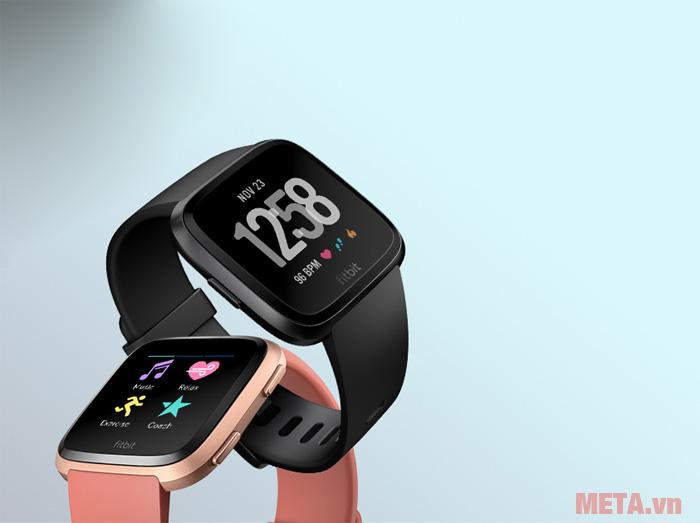 Fitbit Versa có hai màu hồng và đen