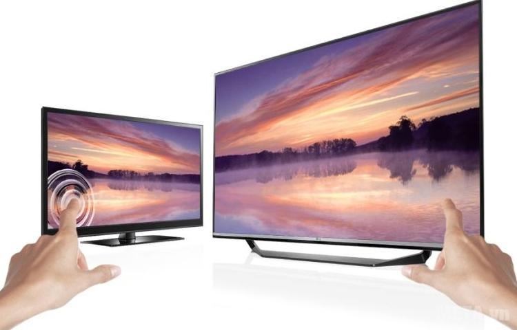 Chạm vào màn hình của tivi LED 32 inch LG 32LF510D không có hiện tượng lóe sáng