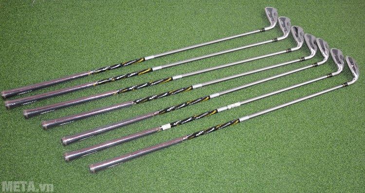 Bộ gậy golf Nike Iron Sets SQ MRG IR 4-PW E (GI7130-001) thiết kế đầu gậy rỗng nên dễ chơi hơn.