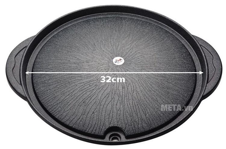 Chảo nướng chống dính Kova tròn HGR có đường kính rộng rãi 32cm.