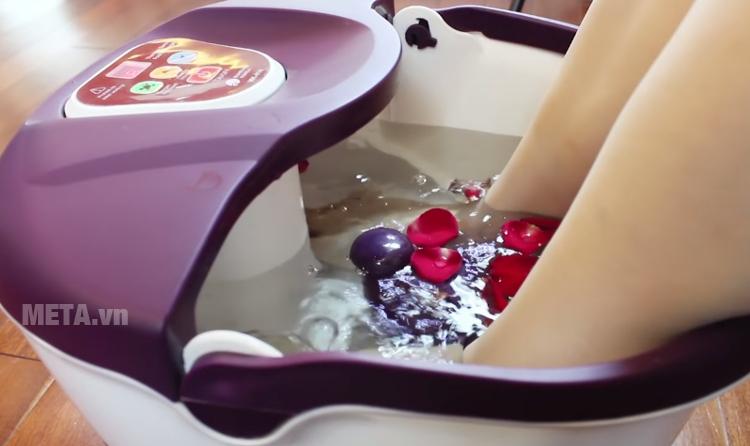 Bồn massage chân Buheung MK-414 dùng được cho mọi đối tượng
