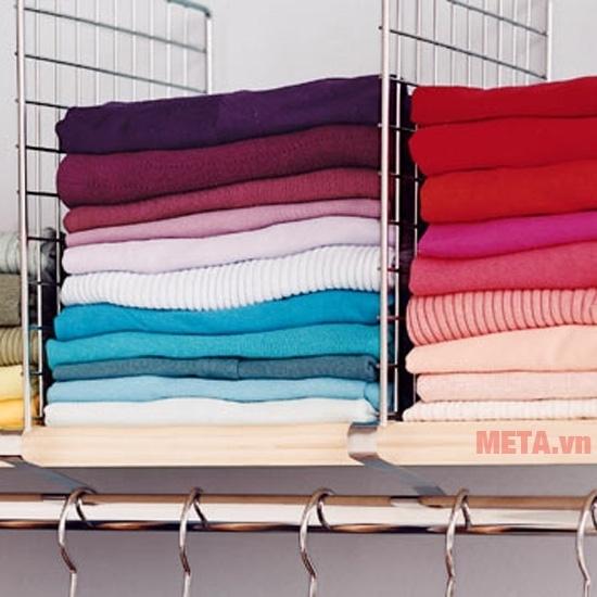 Máy sấy quần áo Tiross TS-881 sấy được 10kg quần áo cùng lúc.