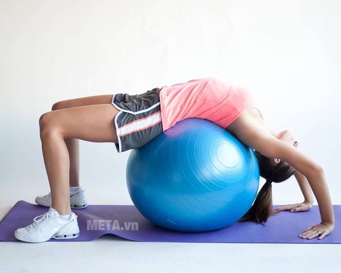 Bóng tập Yoga cao cấp trơn giúp mang đến bài tập Yoga hiệu quả hơn.