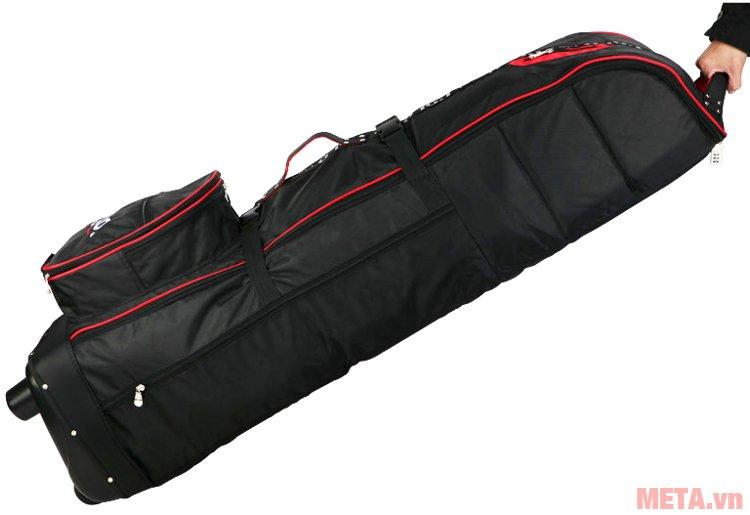Túi golf hàng không Polo có quai kéo nên dễ dàng kéo túi đi thật nhẹ nhàng